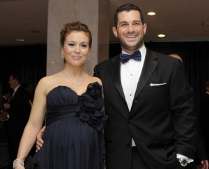 Alyssa-Milano-Pregnant-and-Husband-David-Bugliari