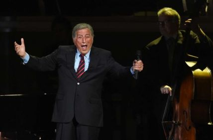 Tony Bennet performing at Stevie Wonder: Songs In The Key of Life – An All-Star Grammy Salute event on Feb. 10, 2015.