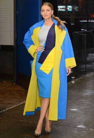 Blake leaving ABC studios in this popping Roksanda Ilincic dress and matching coat.