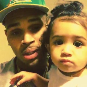Chris-Brown-with-his-daughter-Royalty