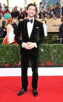Michiel Huisman at the 2017 Screen Actors Guild Awards (SGA Awards) Red Carpet on Jan. 29, 2017.