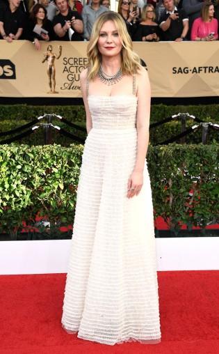 Kristen Dunst at the 2017 Screen Actors Guild Awards (SGA Awards) Red Carpet on Jan. 29, 2017.