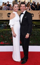 Rebecca Romijn and Jerry O Connell at the 2017 Screen Actors Guild Awards (SGA Awards) Red Carpet on Jan. 29, 2017.